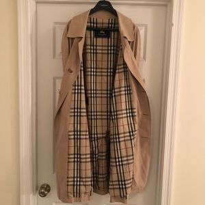 Burberry Trench Coat UK Size 50